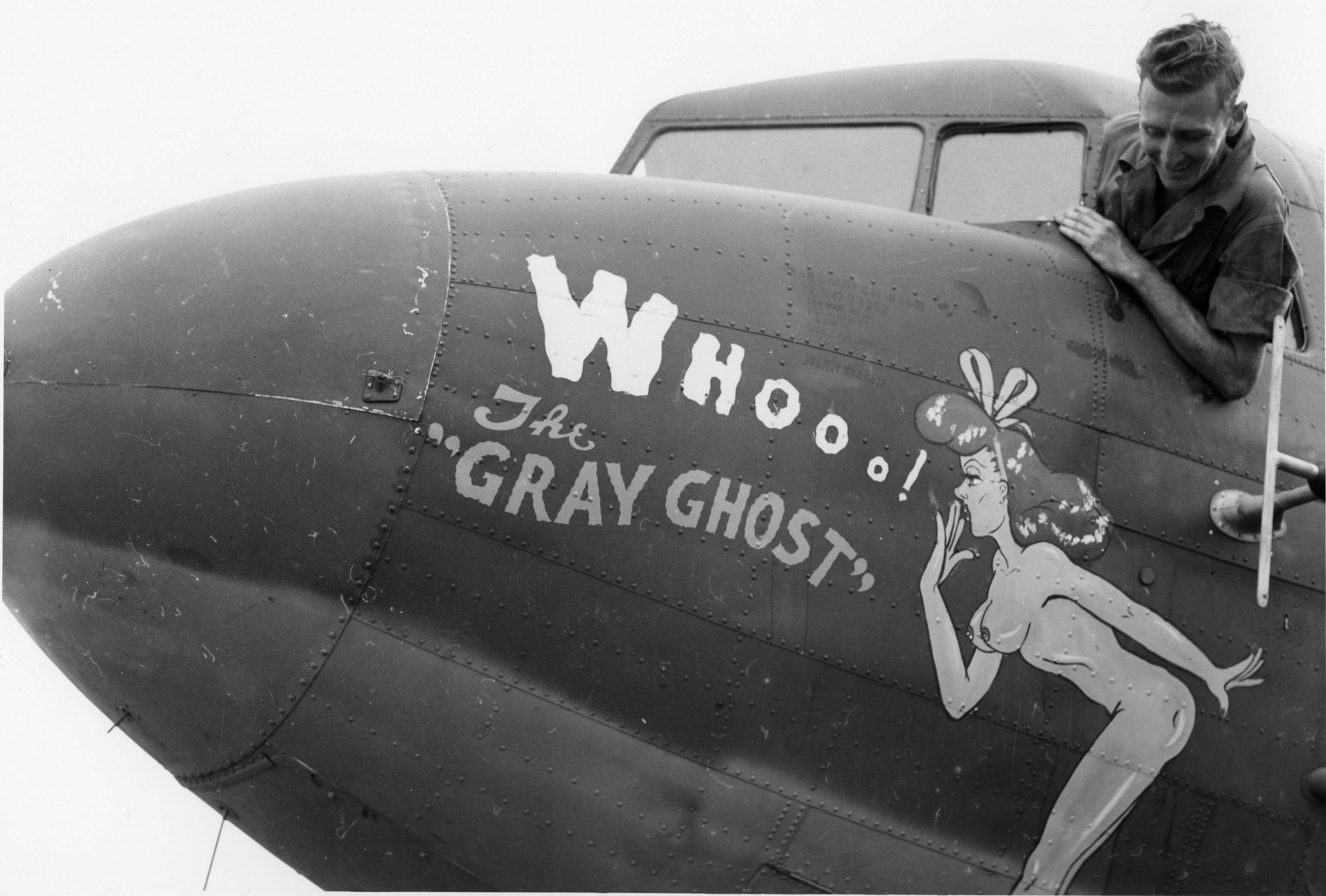 The Gray Ghost : Douglas C-47 : 433rd Troop Carrier Group : 68th Squadron : PH00005464 (Frederick German Collection)