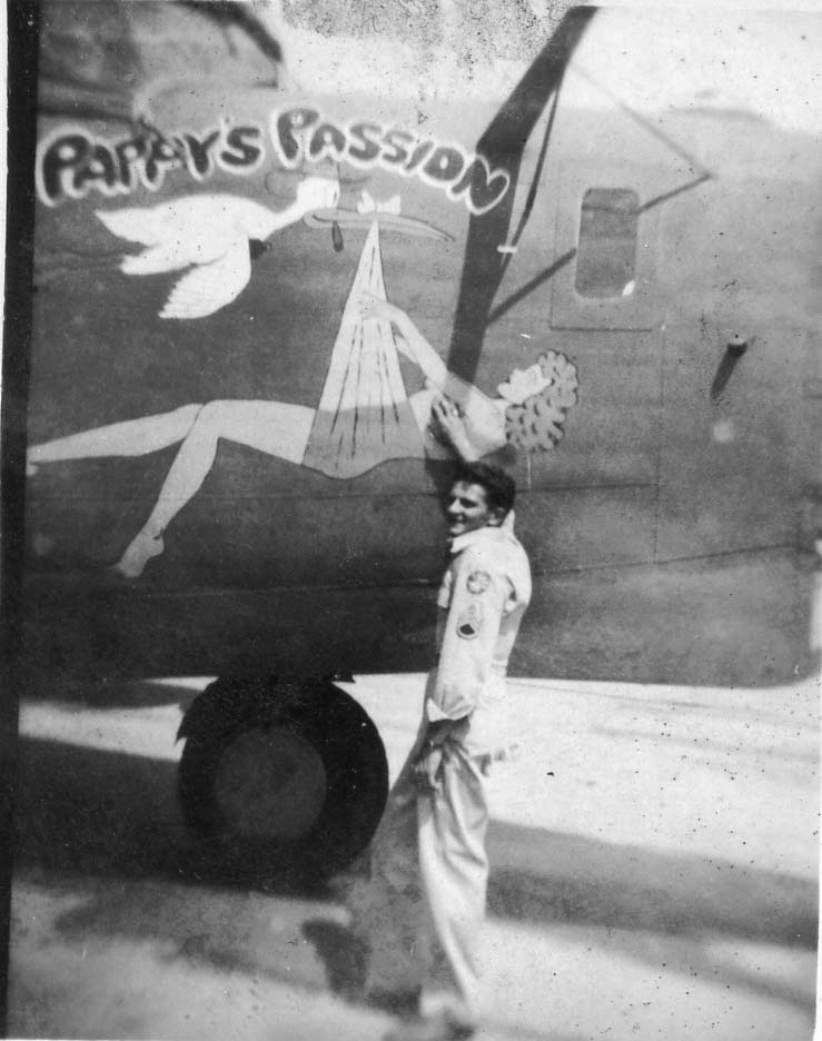 Pappy's Passion - B24J - 90th Bomb Group - 319th Squadron - Serial #42-100222 - PH00032022 (Richard Le Donne Collection)