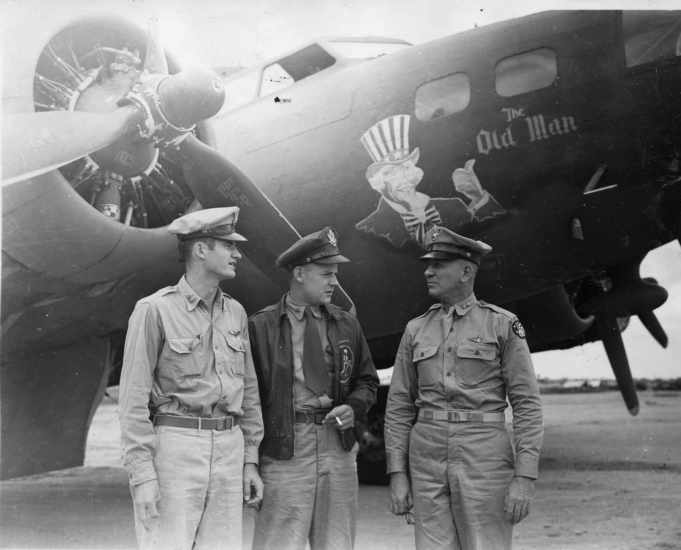 The Old Man - B17 - 43rd Bomb Group - 64th Squadron - PH00005787 (Frederick German Collection)