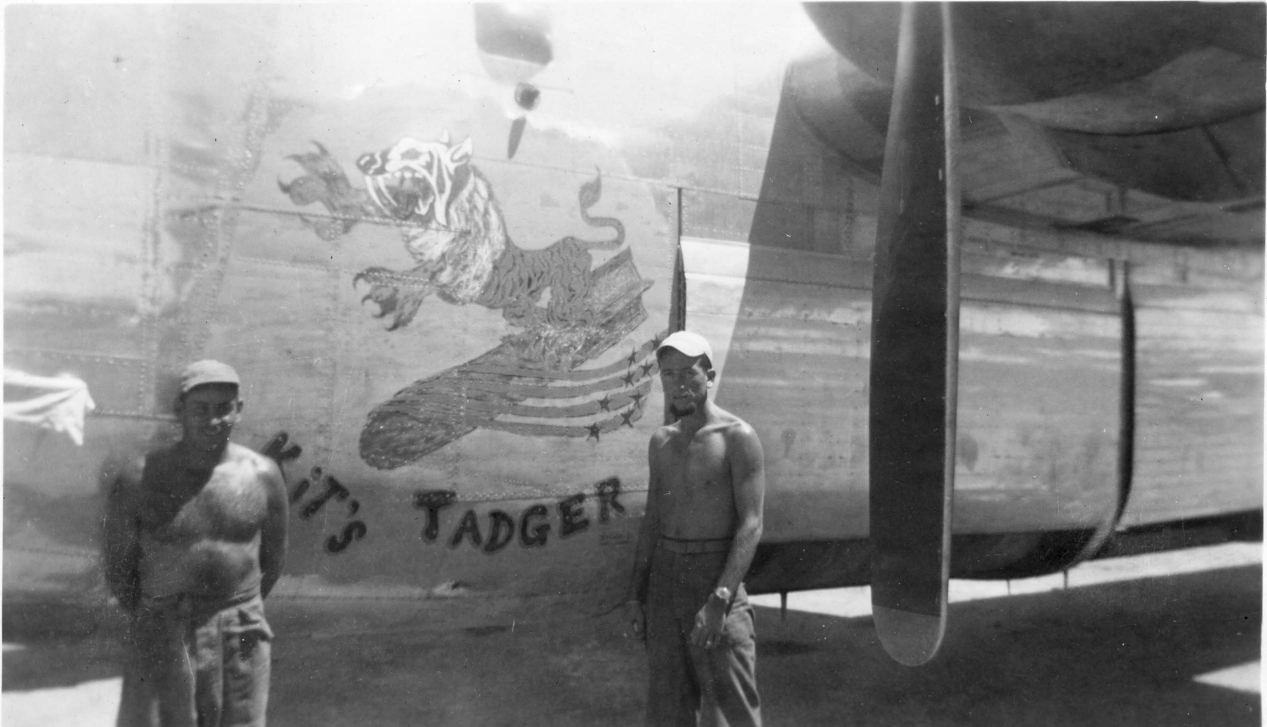 Kit's Tadger : B-24 : 13th Air Force : 307th Bomb Group : 371st Bomb Squadron : Serial #44-40604 : Sharpe 20 (Thomas Sharpe Collection)